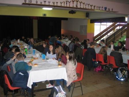 02 Obrok za učenike prije početka natjecanja (2)