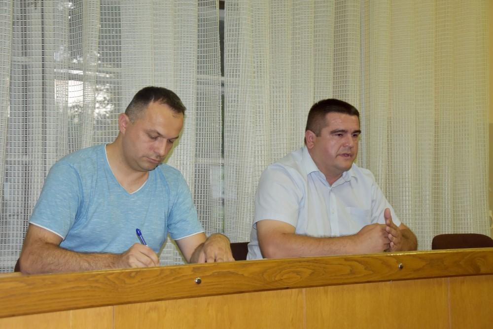 Novi predsjednik LAG-a Papuk Mirko MAliš(desno) i voditelj istog Saša Rister