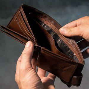 Znate li koliko vam se umanjuje plaća na bolovanju? Evo u kojim slučajevima ona ostaje puna