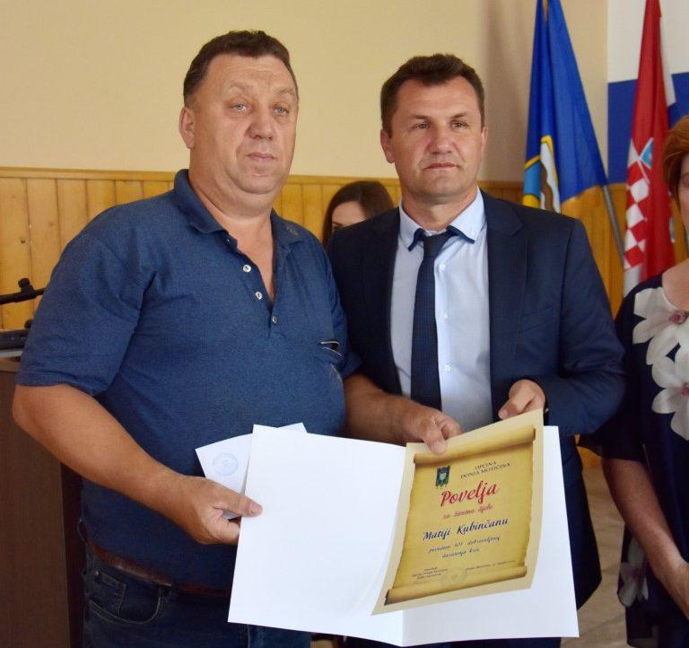 Svečana sjednica Donja Motičina (1)Matija Kubinčan nagrada za životnu djelo i načelnik Kovačević