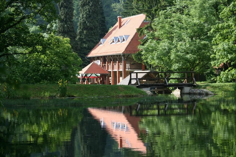 Papuk - 1 - Planinarski dom, Jankovac