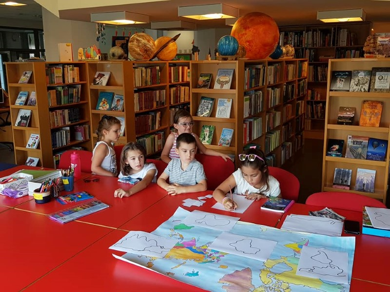 knjižnica 5