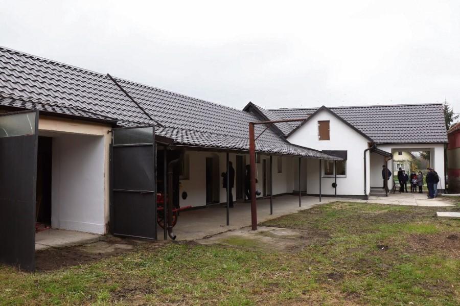 Mjesni dom u Starinu projekt 2020. god 2 Custom