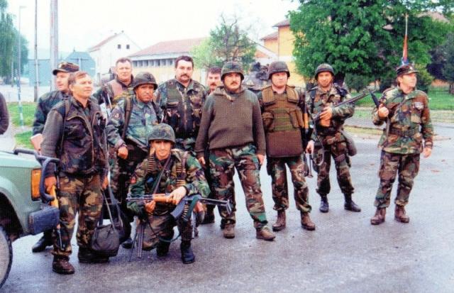 Dio-zapovjednika-postrojbi-sudionica-u-Okucanima-01.-05.95-m